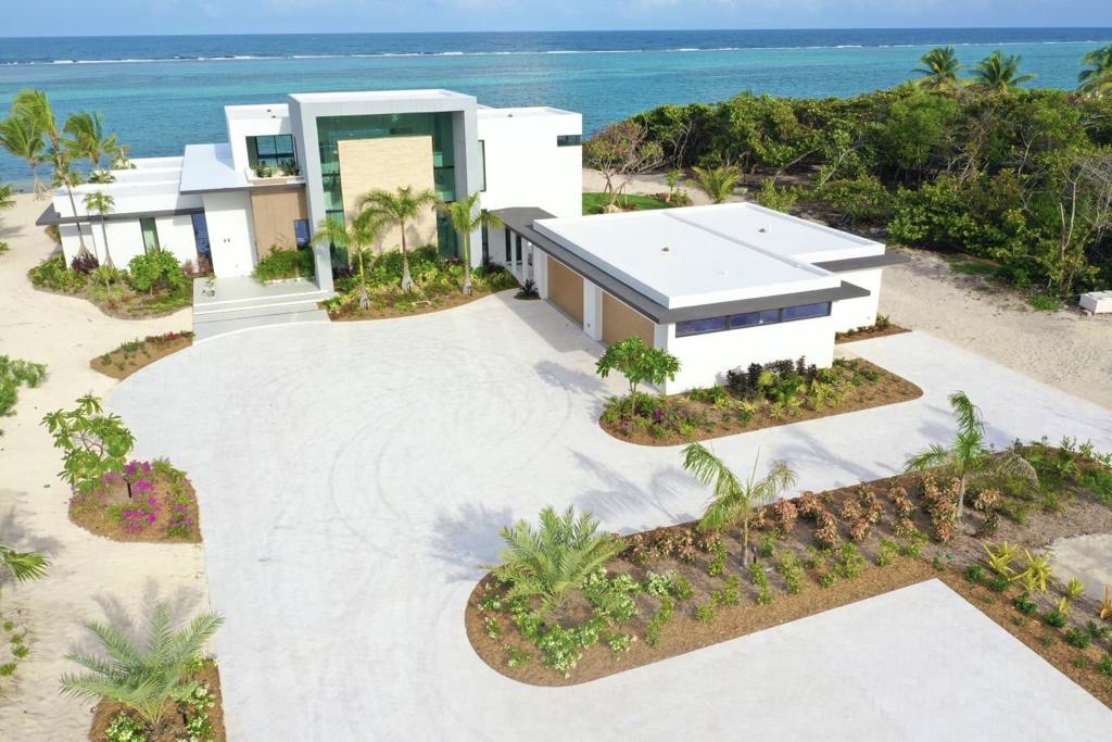 Grand Cayman House with white flat roof